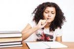 dziewczyna podczas nauki